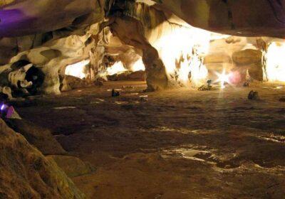 Пещерата Орлова чука лекува белите дробове, помага при астма и сбъдва желания