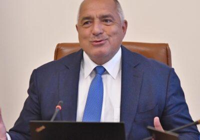 Борисов спира ваксинирането с Астра Зенека. Нареди РЗИ да затегнат мерките