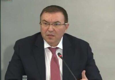 """Министър Ангелов: Наблюдава се """"подмладяване"""" на пациентите с К–вид"""