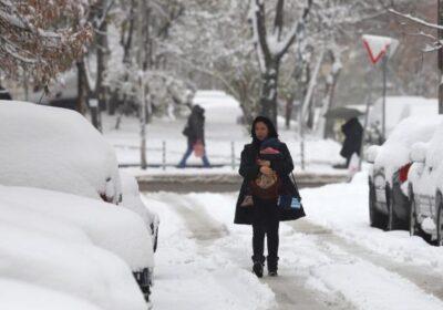Зимата се завръща, студ и сняг връхлитат страната, идва циклон