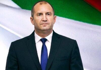 Румен Радев към Бойко и Пеевски: Край на мръсните ви шашми, краденето спира сега!
