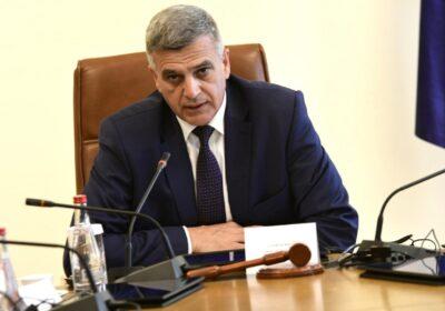 Скандал тресе, служебният премиер насмете яко Бойко Рашков