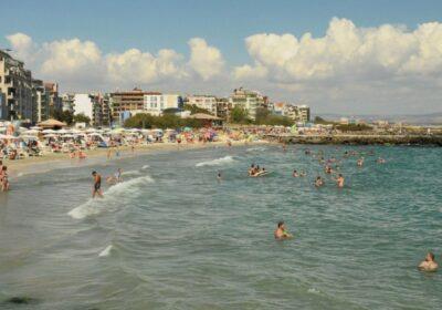 Драма в Поморие: Софиянец се удави 2 часа след като пристигна на почивка със семейството си